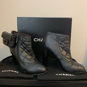 Chanel Short Boots Sz39 100%Authentic lamb skin